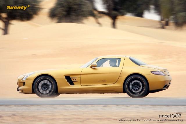 黄金限量版奔驰SLS AMG现身迪拜高清图片