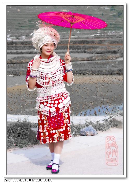 小孩废物利用手工制作民族服饰图片