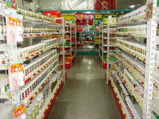 药店空盒简单陈列造型 图片_规则陈列是将药品整整齐齐地码放成一定的立体造型图片