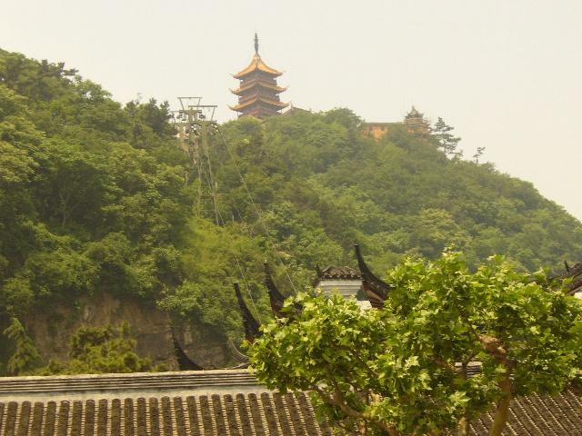 过苏通年夜桥到南通狼山风景区  苏通年夜桥位于江苏省东部的南通市