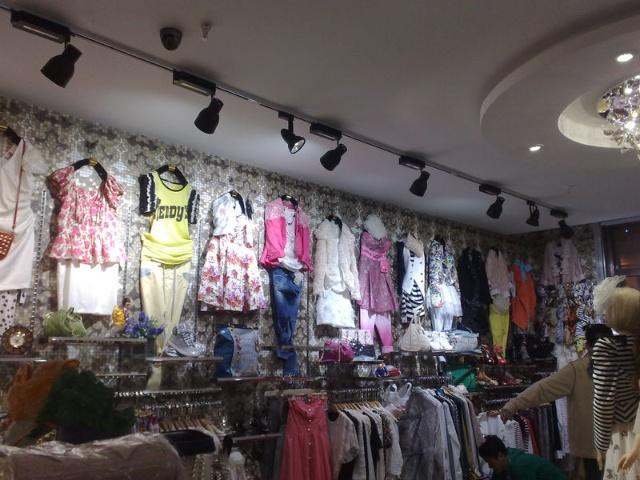 韩国女装店装修图韩国风女装装修图片11